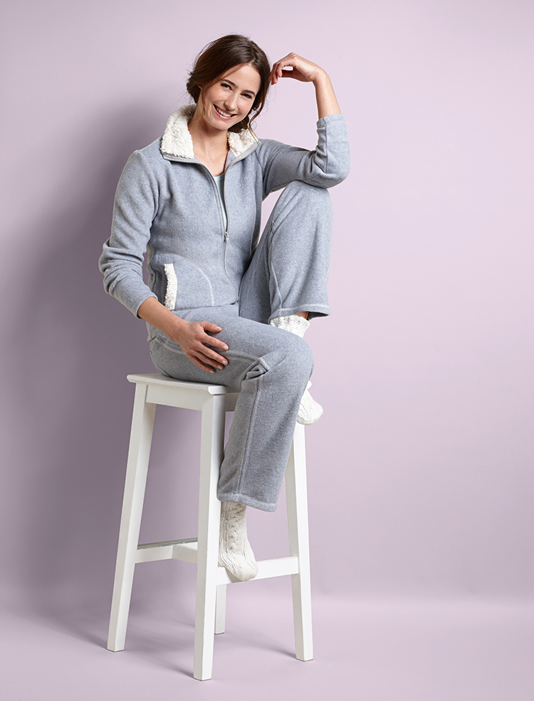 Br24 Blog On-Body Photo Retouching: Photo of a woman in comfortable clothes after retouching the product and the model