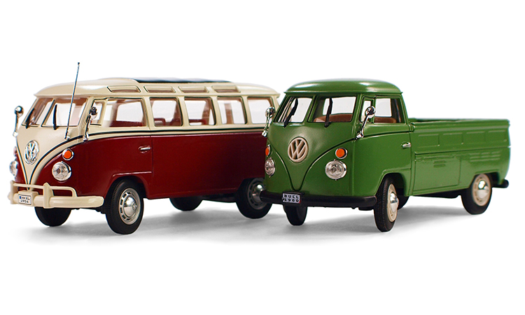 Br24 Blog Schatteneffekte: Natürlicher Schatten - Zwei Vintage VW Spielzeugbusse