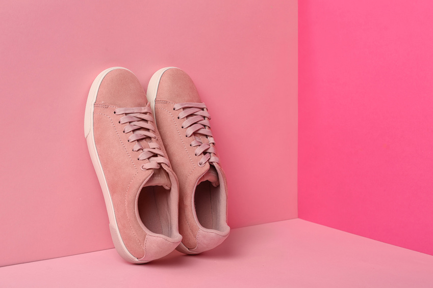 Br24 Blog Image composition: Colour, pattern and texture - pink sneakers against background in three different shades of pink