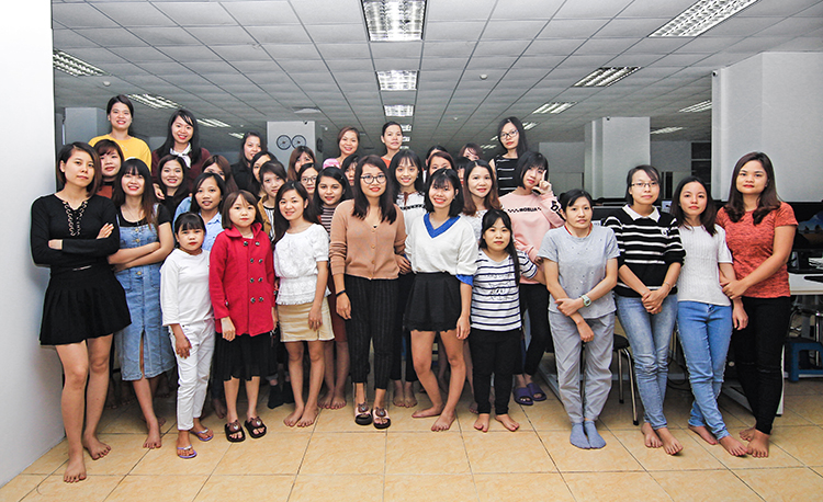 Br24 Blog Vietnamese Women's Day: Group shot of all the strong women at Br24 Vietnam