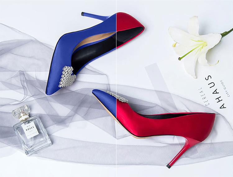 Br24 Schuhe fotografieren für Produktbilder: Beispielfoto für umfärben von High Heels, links vorher Blau, rechts nachher Rot
