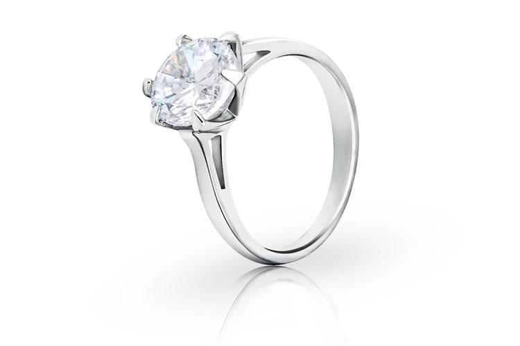 Produktretusche: silberner Diamantring nach der Produktretusche