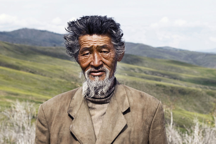 Br24 Blog Visual Trends 2018 Real and Unfiltered: Old Mongolian man