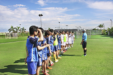 Br24 Vietnam: Teams of the annual football match at the football field