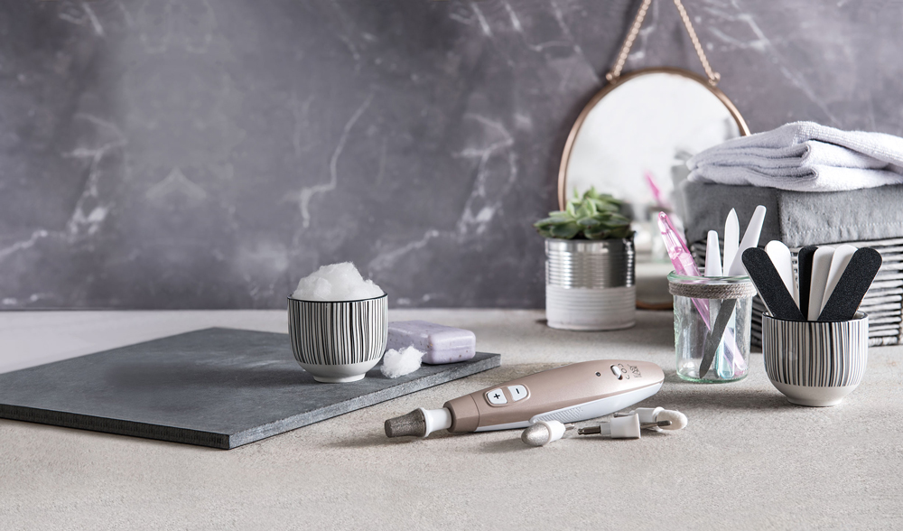 Br24 Marketing: Nail salon equipment after retouching and background extension