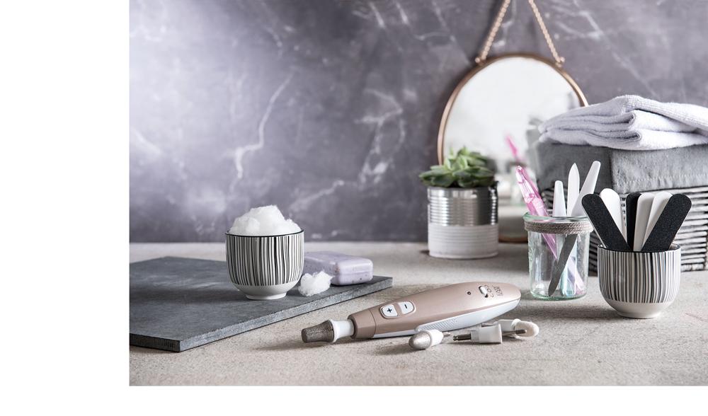 Br24 Marketing: Nagelstudioequipment bevor Retusche und Hintergrunderweiterung