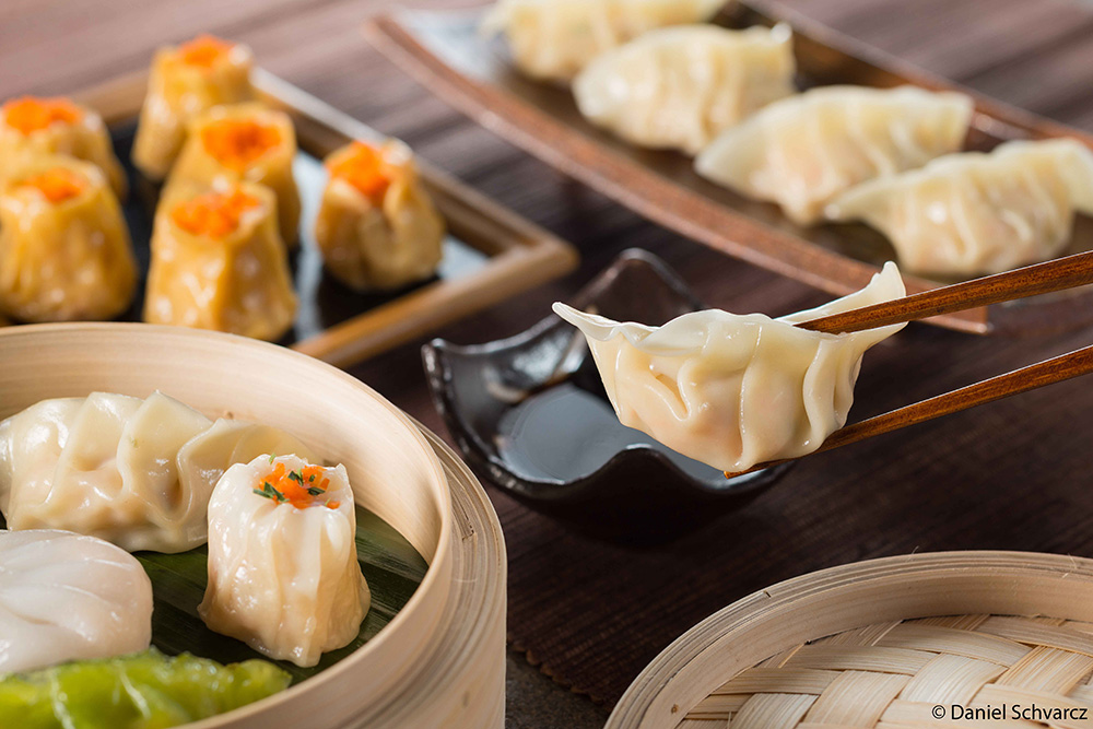 Br24 Food Retouch: Dim Sum menu with different variations of Dim Sum before retouching